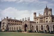 Đại học Cambridge cũng sai lỗi chính tả