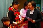 Phó Chủ tịch nước tặng quà học sinh nghèo Lai Châu