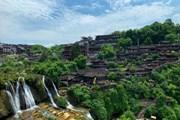 [Photo] Phù Dung trấn: Làng cổ kỳ bí nghìn năm 'treo' trên thác nước