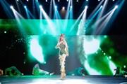 Gu thời trang kỳ lạ của Á hậu Kiều Loan trong màn thi đấu 'nảy lửa'