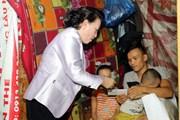 Chủ tịch Quốc hội thăm các hộ dân di dời khỏi di tích Kinh thành Huế