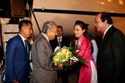 Hình ảnh Thủ tướng Malaysia đến Nội Bài, bắt đầu thăm Việt Nam
