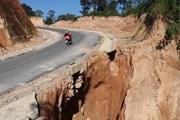 [Photo] Cung đường du lịch Tà Lèng-Mường Phăng ở Điện Biên bị sạt lở