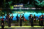 [Photo] Chương trình nghệ thuật kỷ niệm 129 năm ngày sinh Bác Hồ
