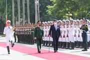 Bộ trưởng Phan Văn Giang đón Bộ trưởng Quốc phòng Nhật Bản Kishi Nobuo