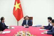 Thủ tướng Phạm Minh Chính điện đàm với Giám đốc điều hành COVAX