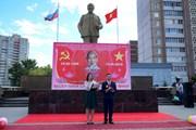 [Photo] Kỷ niệm sinh nhật Bác Hồ trên thành phố quê hương Lenin