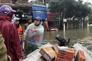 [Photo] Xúc động với nghĩa cử của người dân Hà Tĩnh trong bão lũ