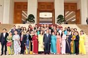 Thủ tướng gặp mặt các nhà hảo tâm hỗ trợ Quỹ học bổng Vừ A Dính