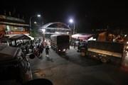 [Photo] Hà Nội: Chợ Long Biên hoạt động trở lại từ 0 giờ ngày 21/10