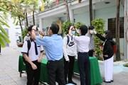 Nhiều địa phương đảm bảo phòng dịch trong ngày đầu trở lại trường