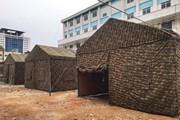 Hình ảnh bệnh viện dã chiến trong khuôn viên Bệnh viện Bạch Mai