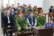 Hình ảnh phiên sơ thẩm Phan Văn Anh Vũ và bốn cựu tướng công an
