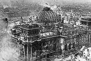 Những hình ảnh không thể quên trong ngày chiến thắng phát xít Đức