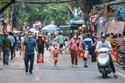 Phớt lờ lệnh cấm tụ tập, người dân vẫn lên phố Hàng Mã đón Trung Thu