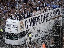 """""""Biển người"""" chào đón Real rước cúp Champions League về Madrid"""