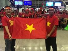 Cổ động viên lên đường sang Malaysia, 'tiếp lửa' cho tuyển Việt Nam