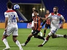Champions League: Xác định đội bóng cuối cùng vào vòng 1/8