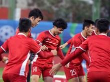 Hình ảnh buổi tập đầu tiên của tuyển Việt Nam trên đất UAE