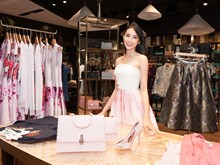 [Photo] Xem Thùy Tiên mặc gì tham dự Miss International 2018