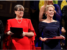 Những hình ảnh đáng chú ý tại lễ trao giải Nobel năm 2018