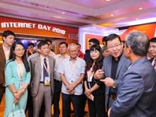 [Photo] Những gian hàng công nghệ mới tại Internet Day 2018
