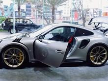 Cận cảnh siêu xe Porsche 911 GT2 RS đang xuất hiện tại Hà Nội