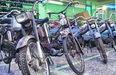 """Ngắm bộ sưu tập xe gắn máy """"hai thì"""" kỳ công nhất Việt Nam"""