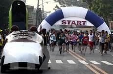"""Cuộc thi chạy với giày cao gót ở """"thành phố giày"""" của Philippines"""
