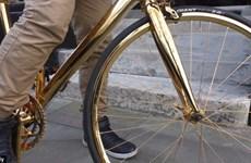 Xe đạp mạ vàng 24 carat có giá đắt hơn cả siêu xe Ferrari