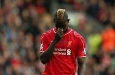 """""""Siêu quậy"""" Balotelli nhận án phạt từ FA do phân biệt chủng tộc"""