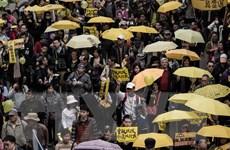 """Người dân Hong Kong lại xuống đường biểu tình """"bất tuân dân sự"""""""