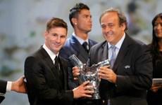 """Lionel Messi giành """"cú đúp"""" danh hiệu cá nhân của UEFA"""