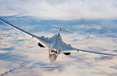 Chiêm ngưỡng máy bay siêu thanh Tu-160 phóng tên lửa hành trình