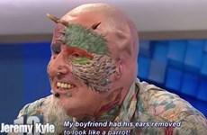 Người đàn ông tự cắt bỏ tai để biến mình thành vẹt sặc sỡ