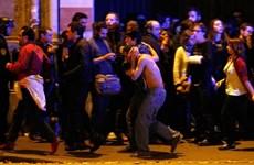 [Video] Khoảnh khắc những tên khủng bố ập vào nhà hát Bataclan