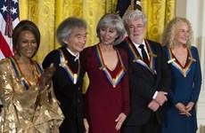 Tổng thống Obama ca ngợi 5 nghệ sỹ có đóng góp lớn cho nghệ thuật