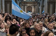 Argentina mở rộng cửa bình thường hóa quan hệ tài chính quốc tế