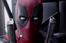 """Bom tấn 17+ """"Deadpool"""" giữ vững """"ngai vàng"""" tại các phòng vé"""