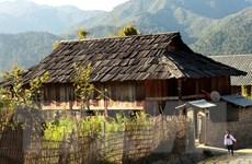 [Photo] Những ngôi nhà sàn cổ làm bằng gỗ pơmu ở Sơn La