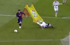 """Ảnh chế pha lừa bóng của Messi khiến Boateng """"ngã dập mặt"""""""