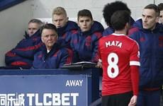 """HLV Van Gaal tức giận gọi Juan Mata là """"thằng ngốc"""" sau thất bại"""