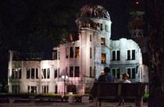 Nạn nhân bom nguyên tử chứng kiến ông Obama đặt hoa ở Hiroshima