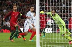 Sao M.U lập công, đội tuyển Anh nhọc nhằn đánh bại Bồ Đào Nha