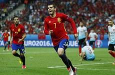 Alvaro Morata lập cú đúp đưa Tây Ban Nha thẳng tiến vòng 1/8
