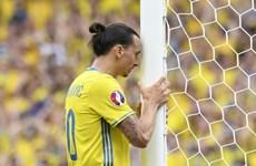 Cận cảnh Ibrahimovic bỏ lỡ không tưởng từ khoảng cách 1m