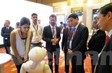 Chủ tịch Hà Nội sang Singapore tìm giải pháp quản lý giao thông đô thị