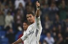 Cristiano Ronaldo giúp Real thoát thua, Man City hủy diệt đối thủ