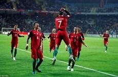 Cristiano Ronaldo ghi 4 bàn giúp Bồ Đào Nha thắng vùi dập