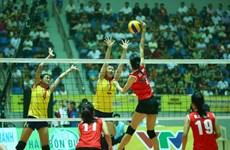 Tuyển bóng chuyền nữ Việt Nam thắng ngược tuyển trẻ Trung Quốc